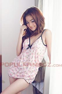 Ayumi Model Cantik di Majalah Popular