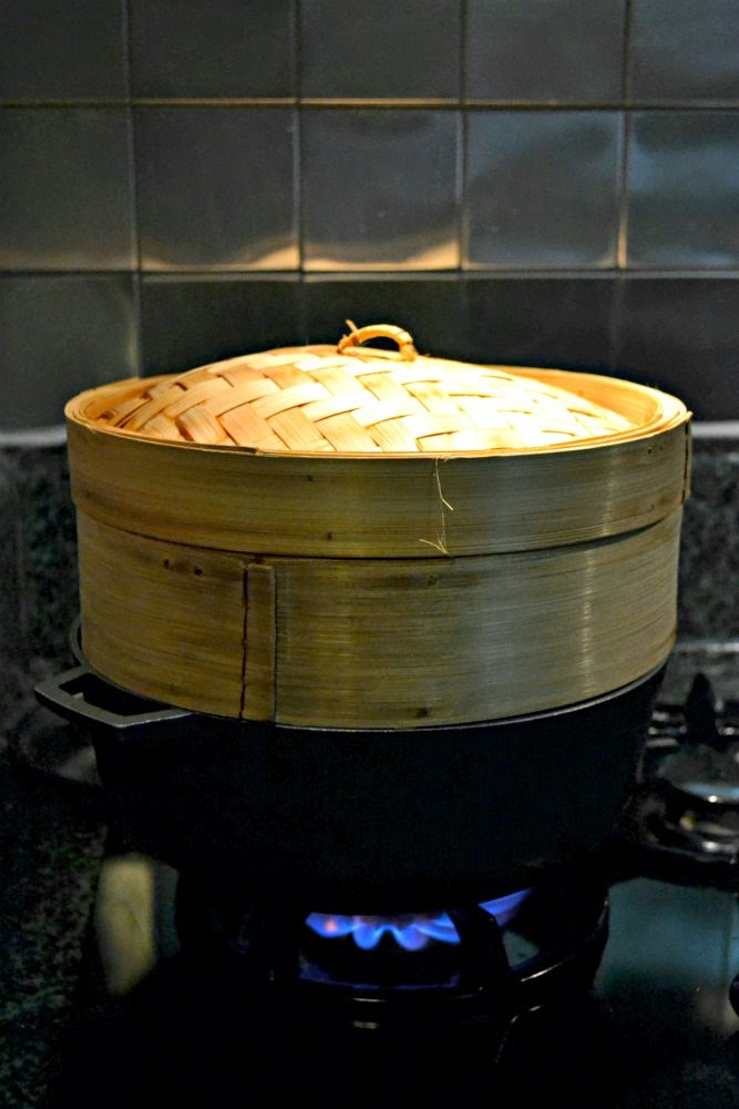 how to use a metal steamer for dumplings