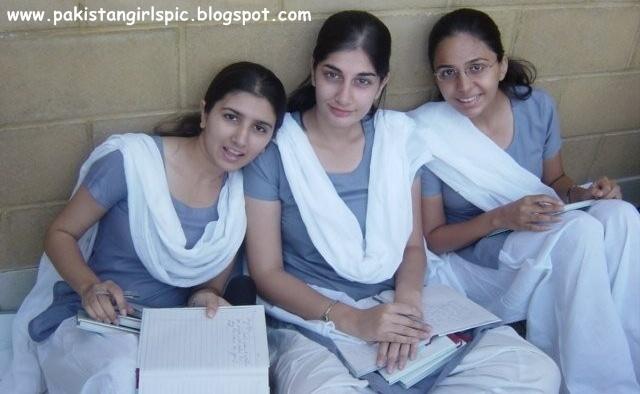 Pakistani student girls fuck #5