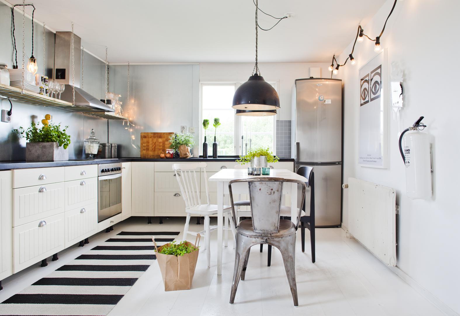 Vintage leva bo for Cocinas sin muebles arriba