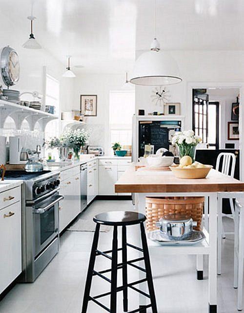 Leo decora algunas cocinas blancas con encanto for Cocinas con encanto