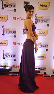 Vaani Kapoor in Purple Gown at Filmfare Awards where She won Best Debut Actress Award