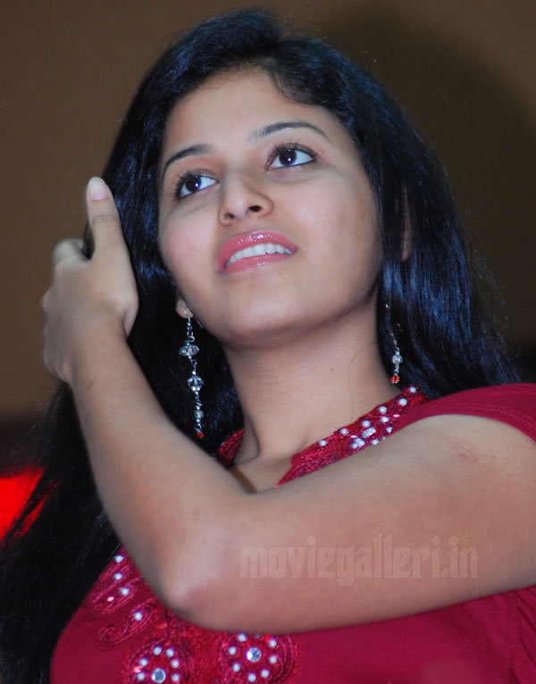 tamil actress ANJALI  hot rare navel pic