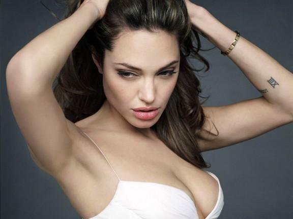 Hot Wallpaper Angelina Jolie