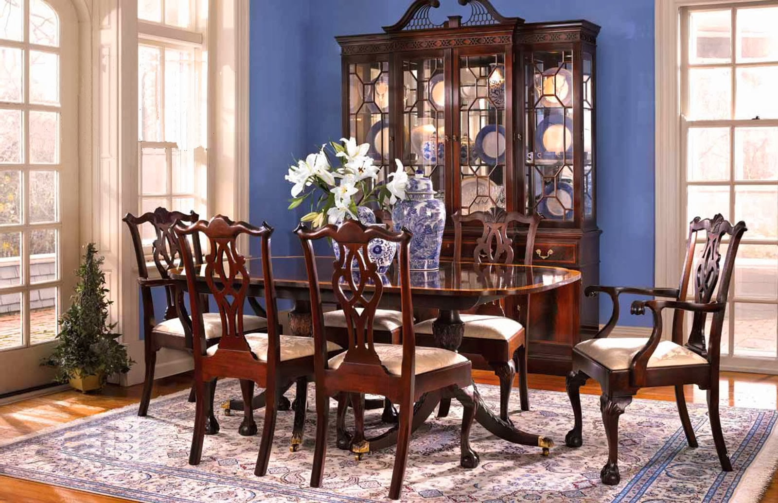Classic Mahogany Dining Table And Chairs By Stickley