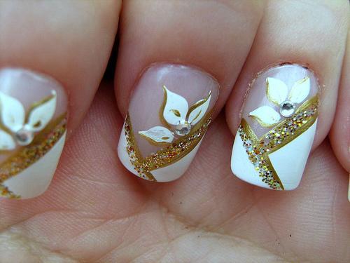 http://1.bp.blogspot.com/-pOxmdkKYyTI/Tut_y-L3opI/AAAAAAAAAtg/K32Z1CbIOU4/s1600/unhas+decoradas.jpg
