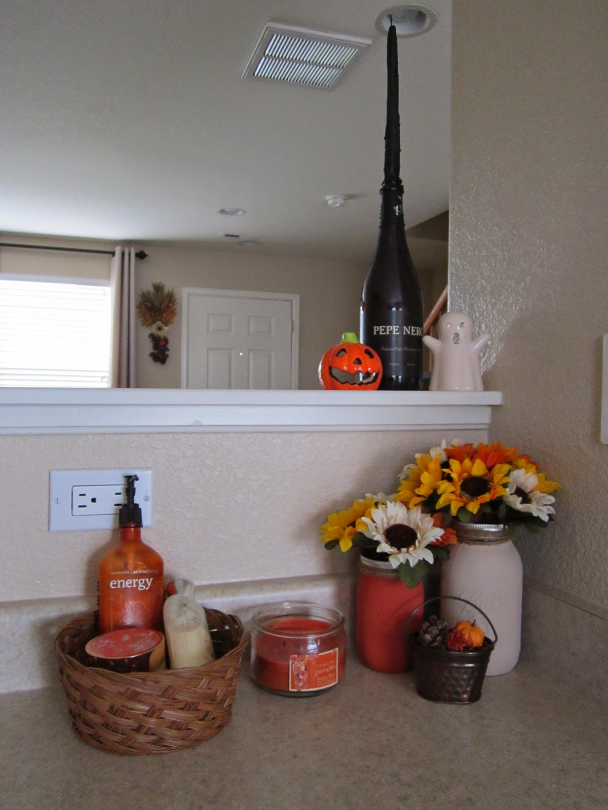 Easy cheap autumn fall inspired kitchen diy using mason jars for 10
