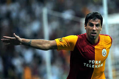 Milan Baros'un sözleşmesi feshedildi..