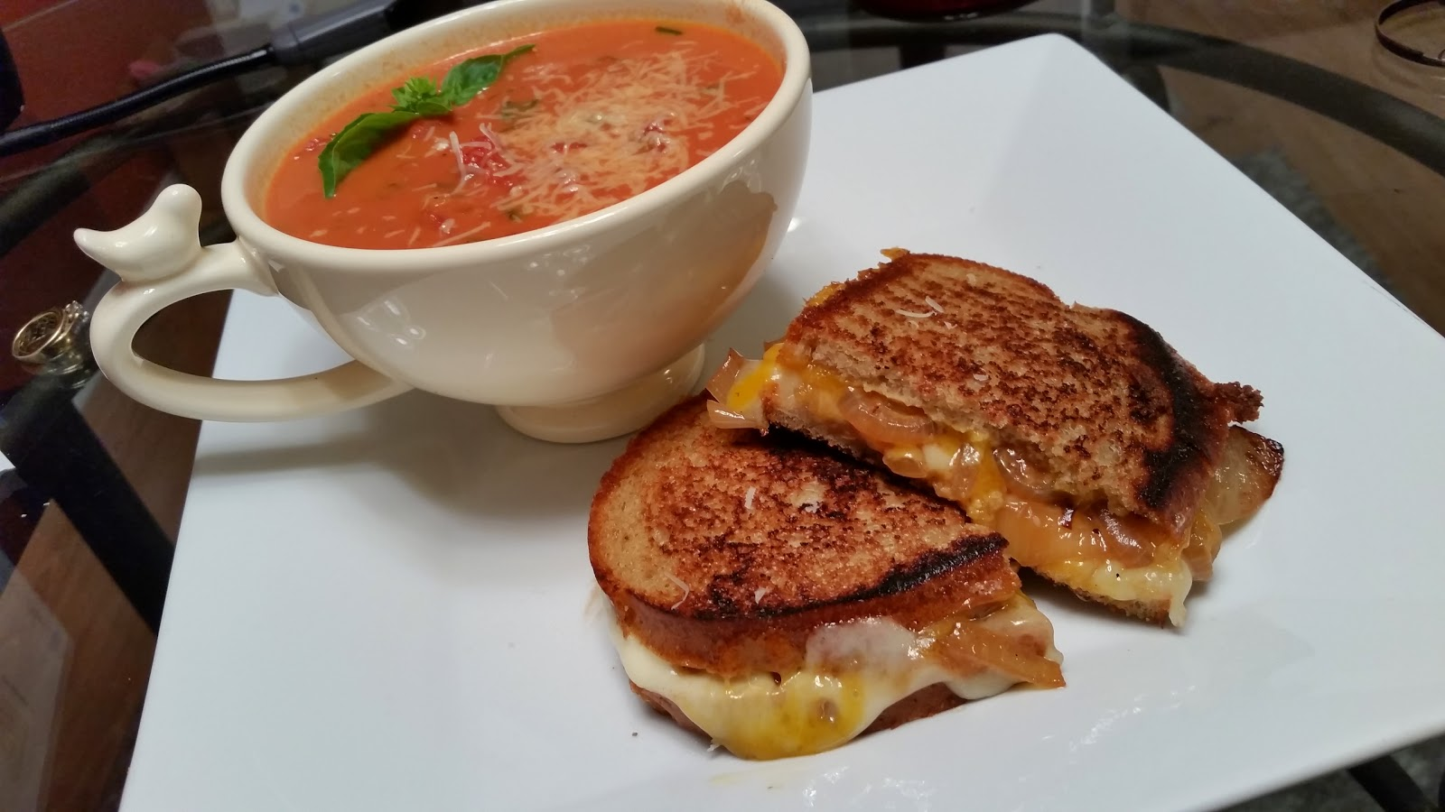 Alexandria Nicole : Creamy Tomato Soup + Grilled Cheese