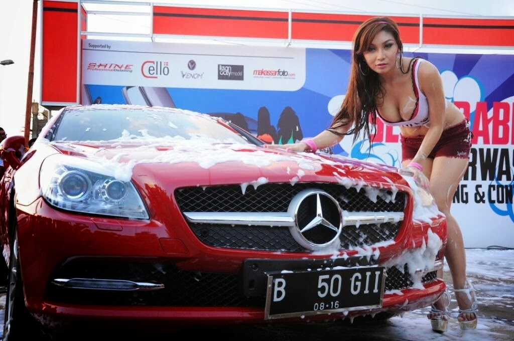 Foto Baby Margaretha di Pameran Otomotif CCC Makassar
