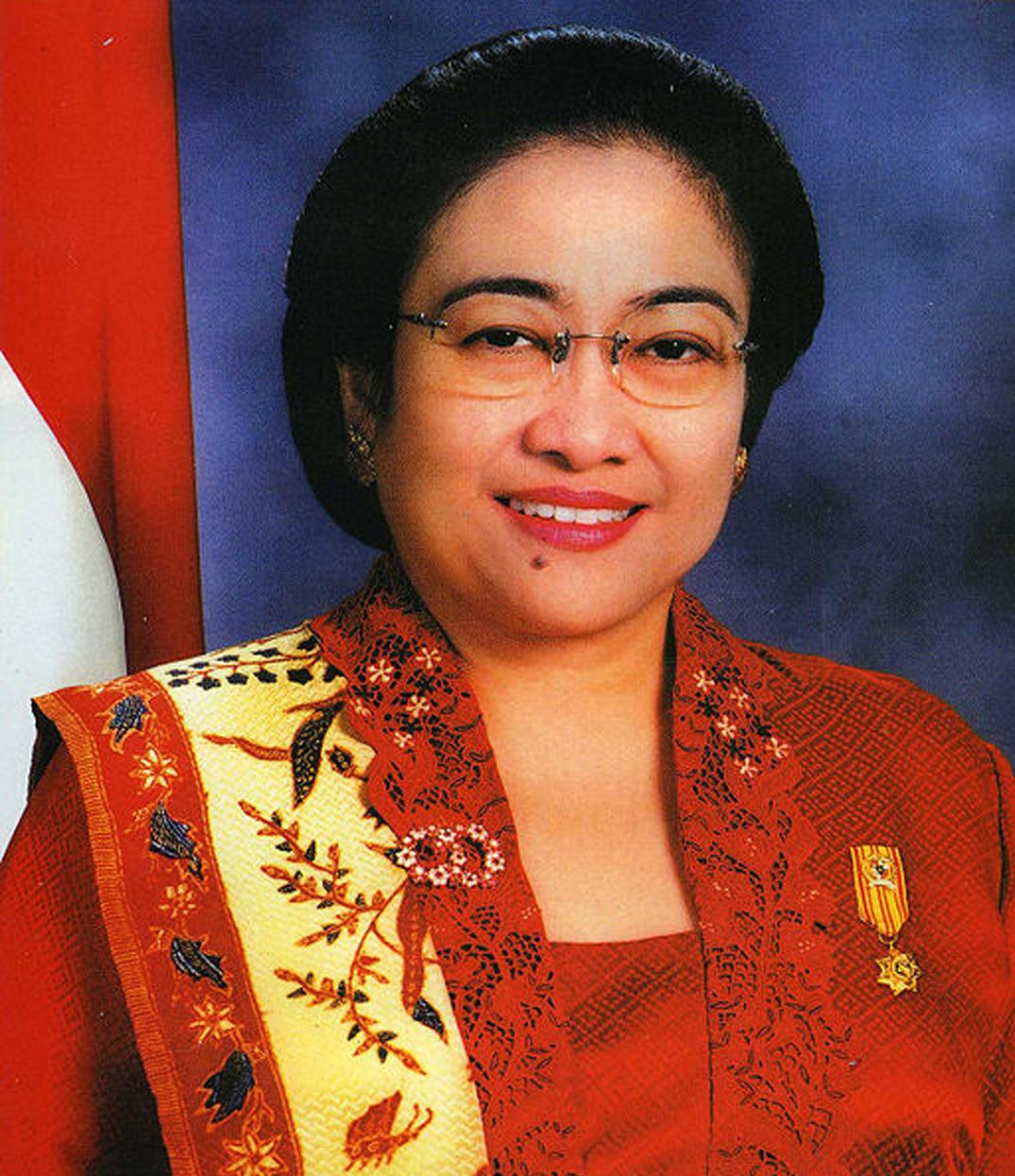 Presiden Megawati Soekarnoputri berwarna