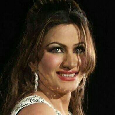 Saima khan big boobs