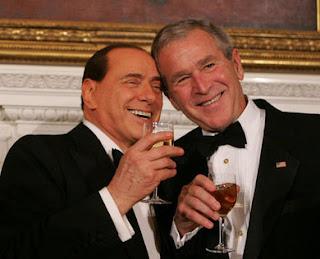 Berlusconi et Bush : le début d'une belle histoire d'amour !