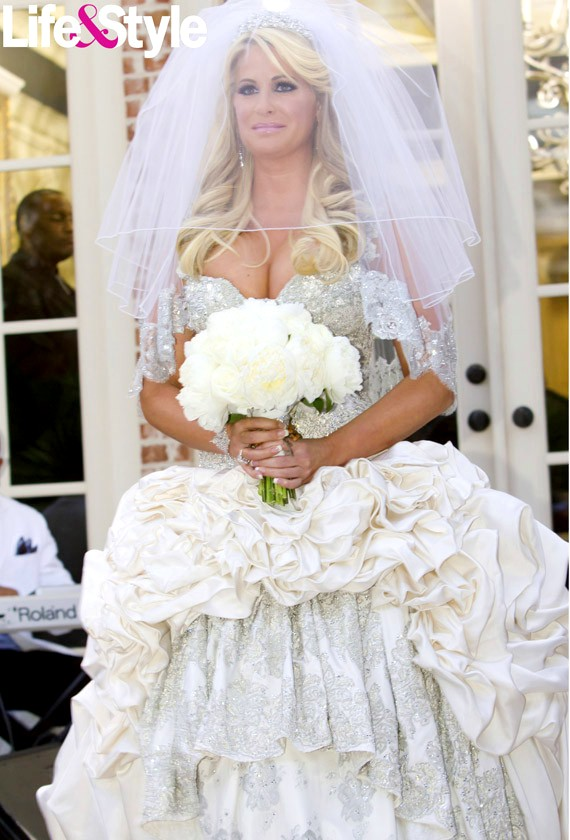Berrymorins bits and tips kim zolciak the real for Wedding dress atlanta