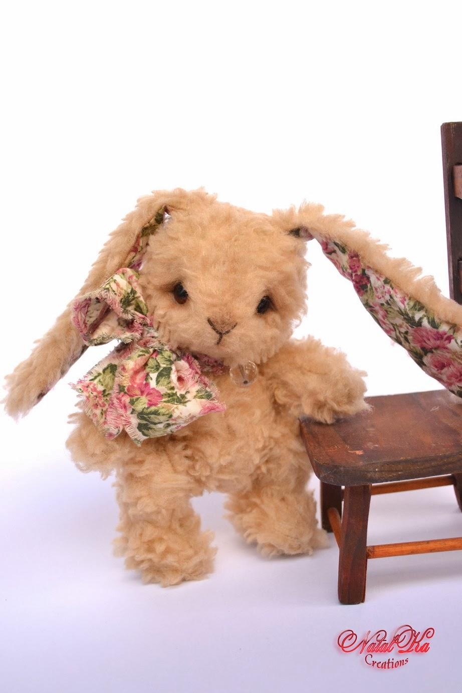 Artist teddy bunny handmade by Natalka Creations. Авторский зайчик тедди