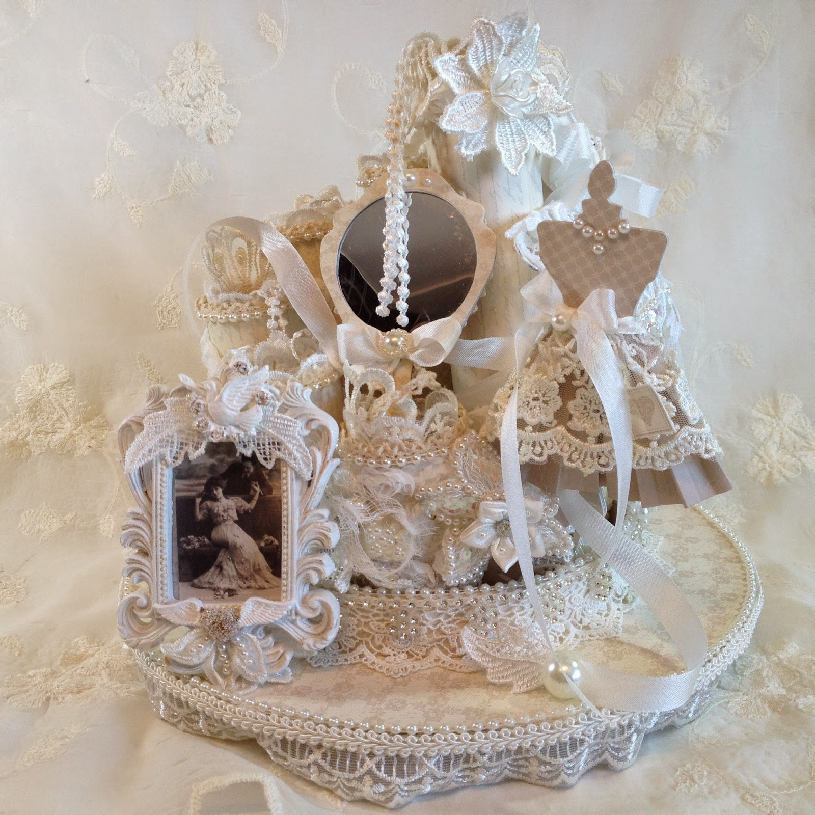 Annes papercreations pion design shabby chic round mini for Commode style shabby