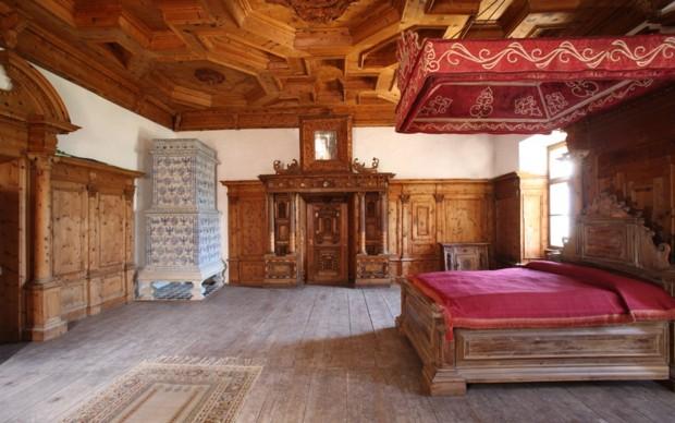 L 39 armonia delle parole castel thun di renzo montagnoli for Arredamento thun