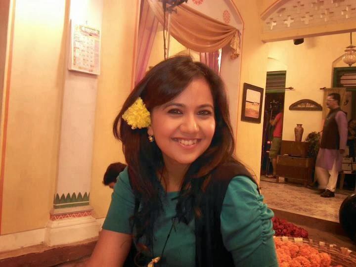 Roopal Tyagi HD Wallpapers Free Download
