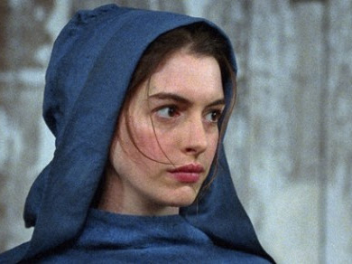 Anne Hathaway obtiene el Oscar 2013 como Mejor Actriz de Reparto
