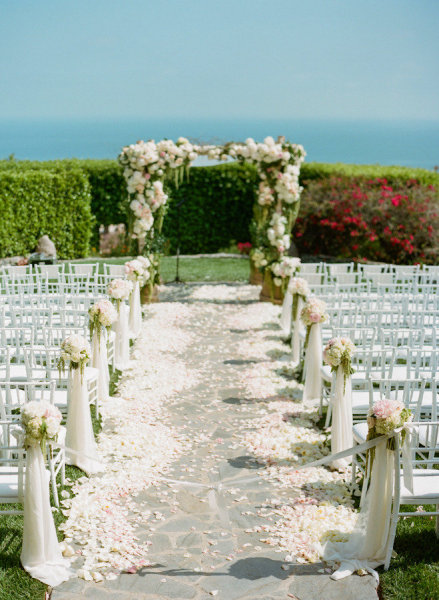 Wedding ceremony ideas romantic decoration for Outdoor wedding decoration ideas