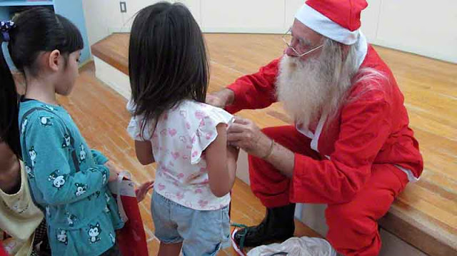 Santa, children,kindergarten, gifts