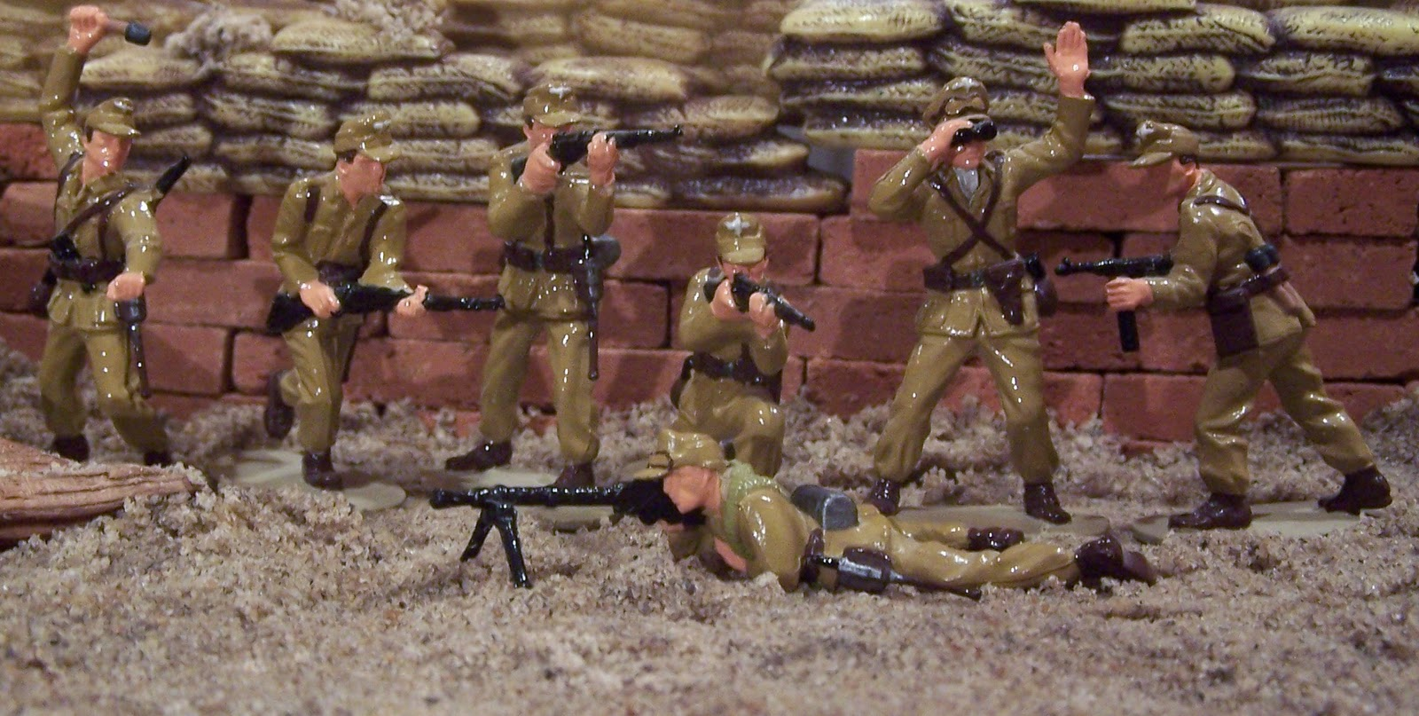 WWII Plastic Toy Soldiers: Introducing the German Africa Corps