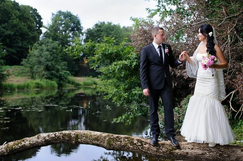 vestuvių nuotraukos gamtoje