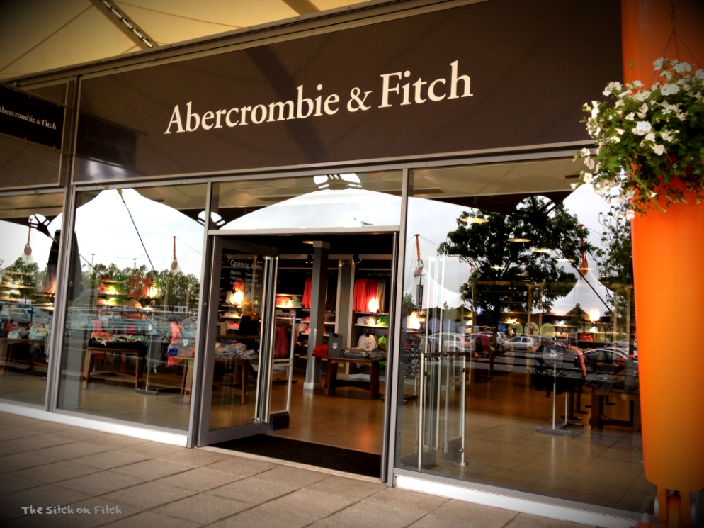 abercrombie and fitch pricing strategy Abercrombie & fitch hopes to get some of its mojo back with a new focus on college students who are more in tune with mobile loyalty programs and lower price points than fickle teenagers.