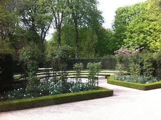 des blogueurs dans les jardins de l'Elysée