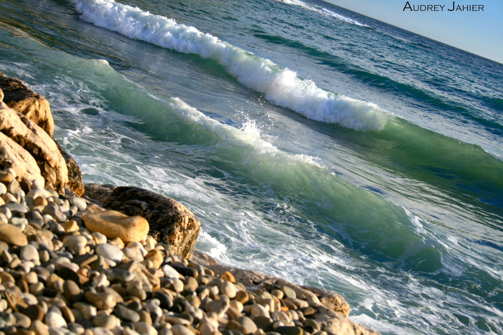 cassis-port-plage-france