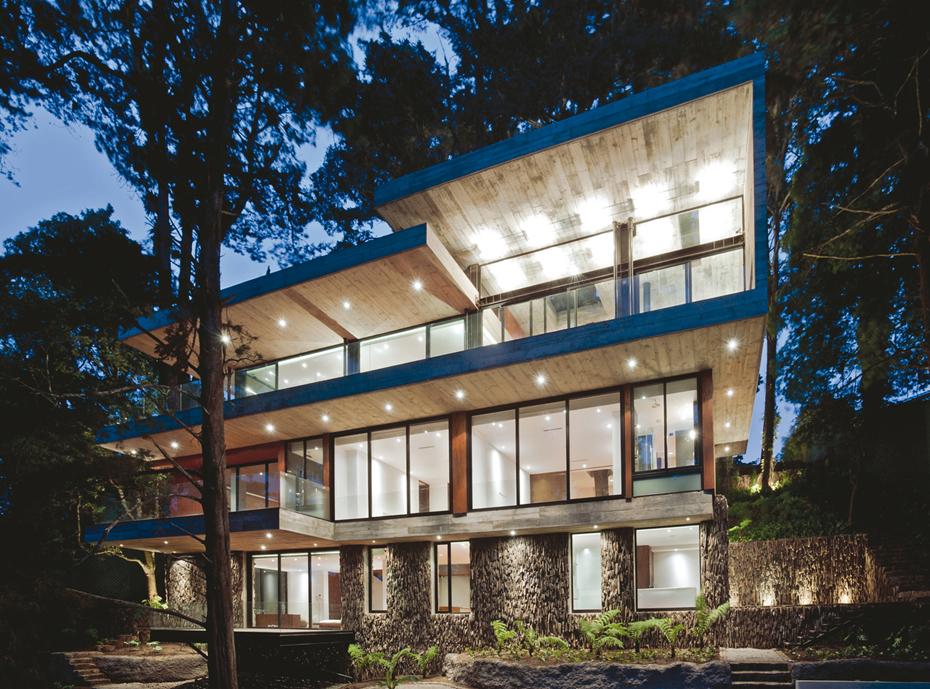 World Of Architecture Home With Tree Inside Casa Corallo