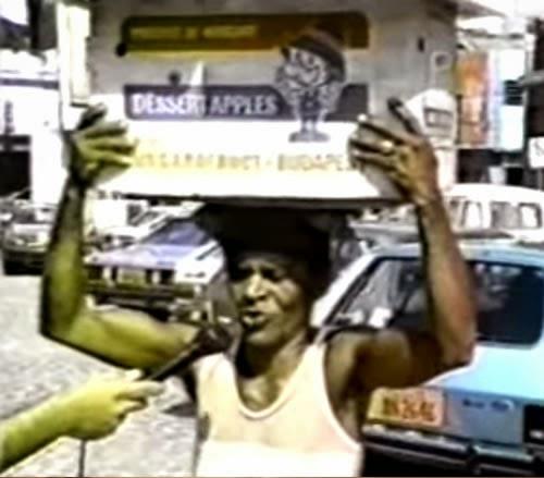 Um famoso xarope milagroso dos anos 80. Peça publicitária com testemunhais de populares sobre o medicamento.