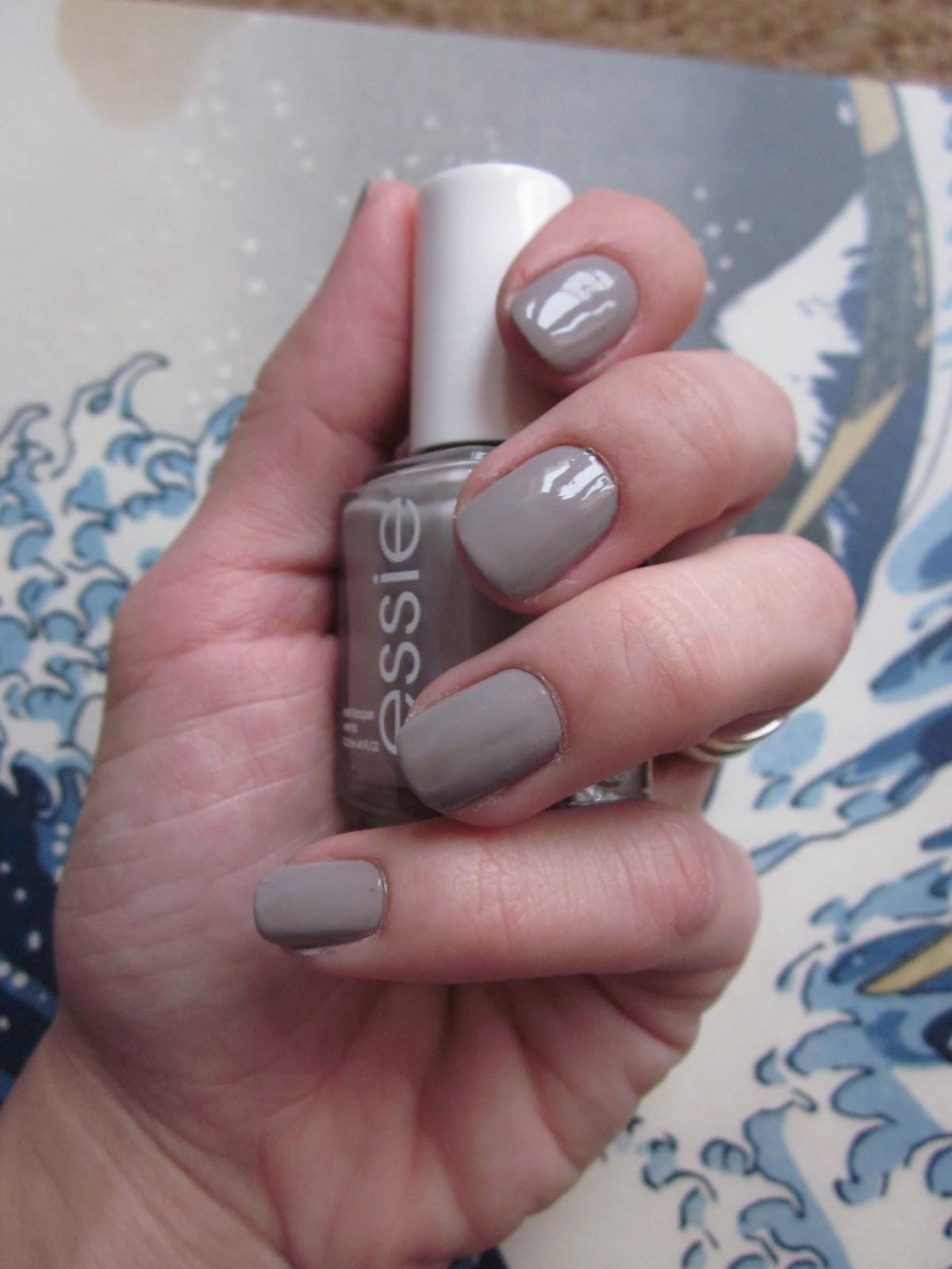 LizzAubrey.com: Newsprint Nails