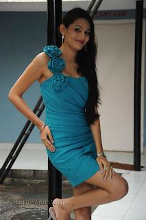 Shweta Jadhav Pictures at Namaste opening 010.jpg