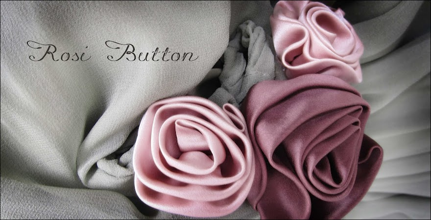 Rosi Button