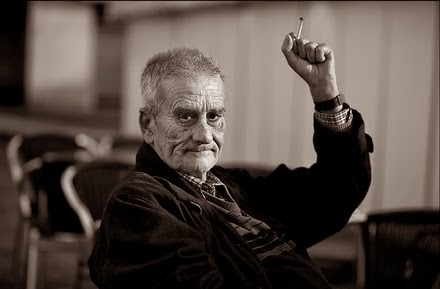 El ojerosos fumador compulsivo, el ilustre poeta esquizofrénico Leopoldo María Panero
