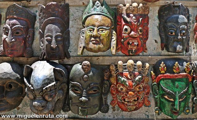Mascaras-Hinduismo-Thamel