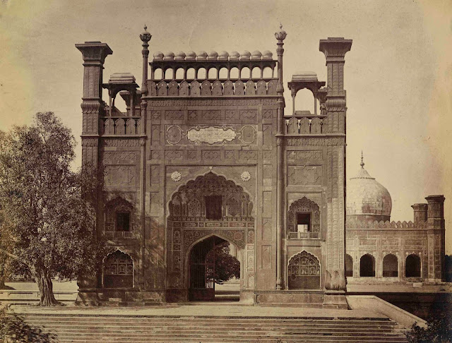Lahore: Gate of Jamu Masjid Mosque