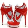 Sapatos de salto alto vermelho