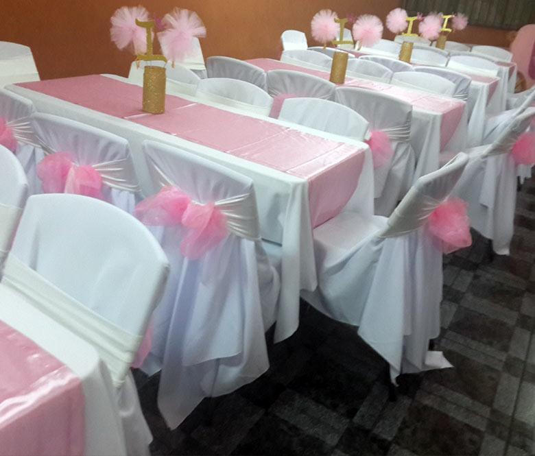 Decoraci n de eventos decoramos tu evento con manteler a for Tela para manteles de mesa