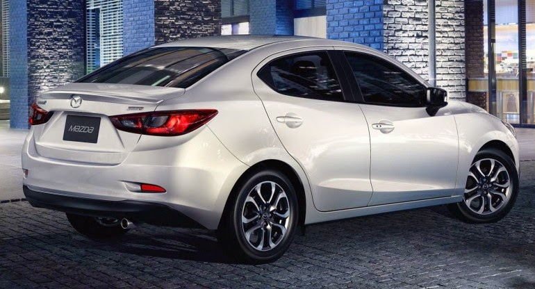 хэтчбек Mazda2 2015