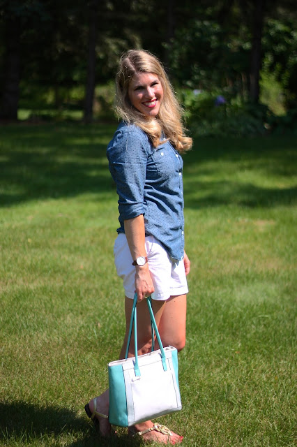 polka dot chambray, white shorts, gold sandals, Giani Bernini white and mint leather tote