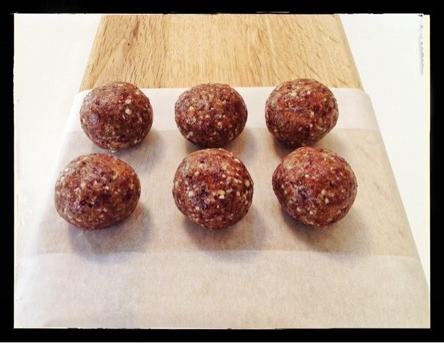 almond-date-cranberry-protein-balls