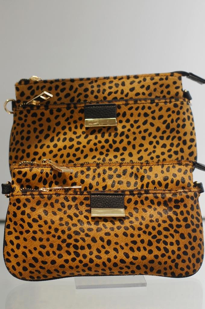 Le Château leopard clutch