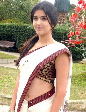 Hot indian teen — img 1