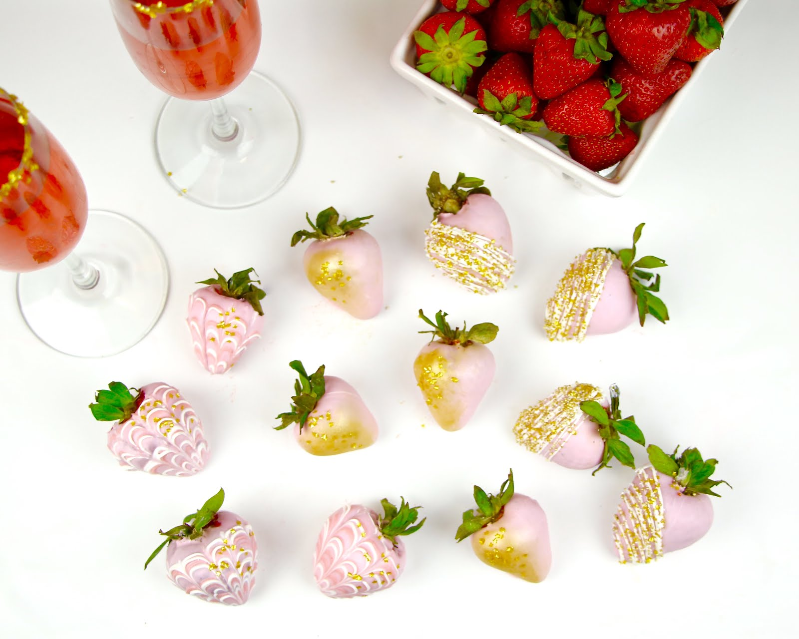 VIDEO} Chocolate Covered Rosé Champagne Strawberries - Lindsay Ann Bakes