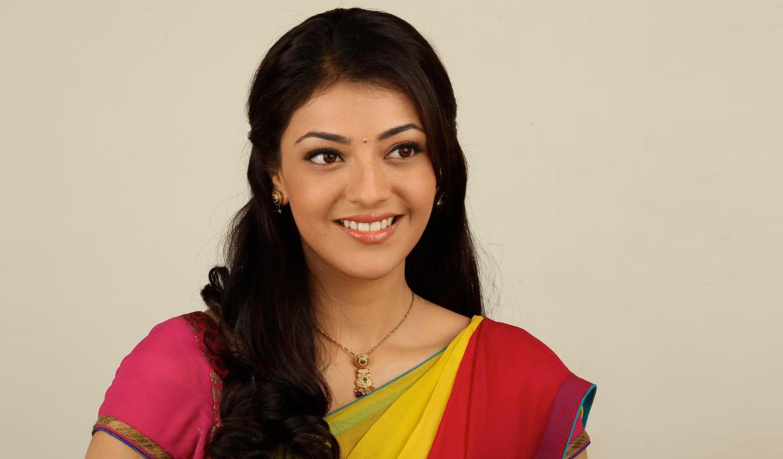 http://1.bp.blogspot.com/-pRm7AZmUf7c/UEC4mzduOBI/AAAAAAAAATA/LGqEluToWso/s1600/Actress_Kajal_Agarwal_Half_Saree_wallpaper.jpg