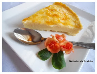 Torta de ricota com geleia de damasco