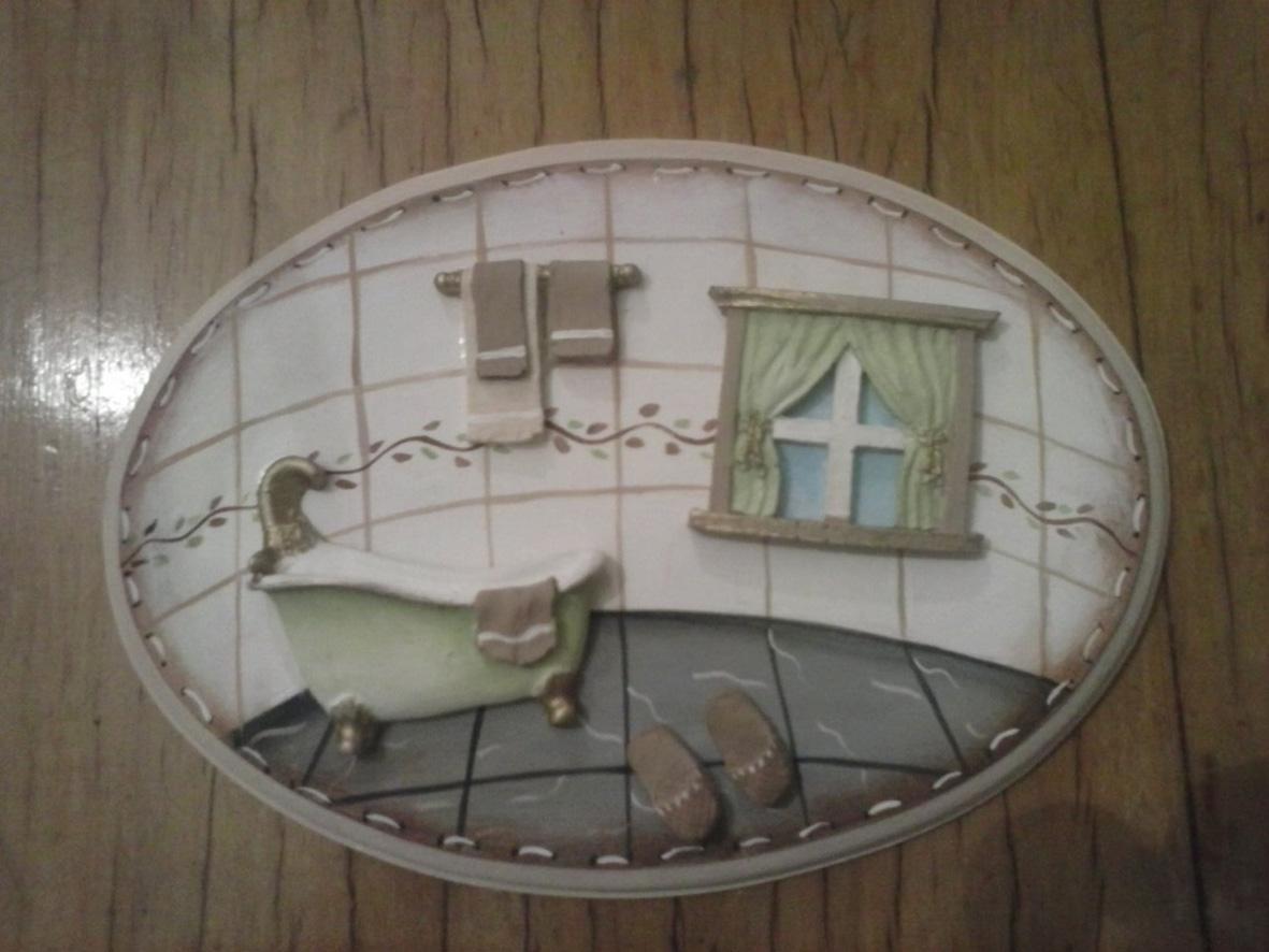 Bem me quer: Plaquinha para porta de banheiro! #5C4D39 1181x886 Banheiro Bege Com Verde