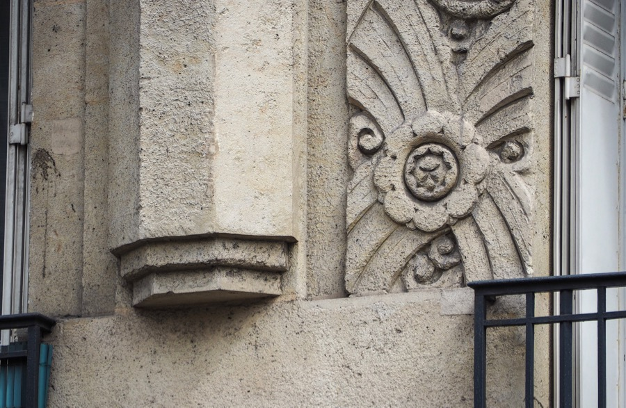 France french art deco architecture of the 17th for Synonyme architecture